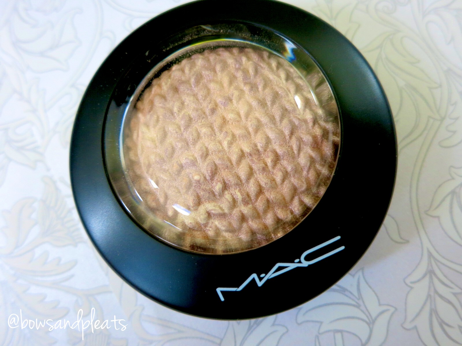 Mac Cosmetics Mineralize Skinfinish in Perfect Topping