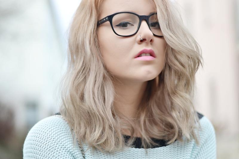 Dunkelblonde haare werden grau  Stilvolle frisur website foto blog