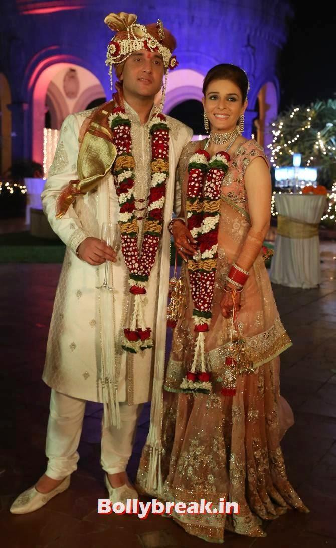 Sudhanshu Swaroop and Raageshwari Loomba, Singer Raageshwari's wedding Pics