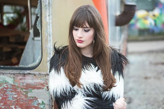 Modeblog-Deutschland-Deutsche-Mode-Mode-Influencer-Andrea-Funk-andysparkles-Berlin-Felljacke