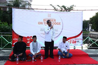 Walikota Pekalongan saat memberikan sambutan di Bukber on the lodji brug