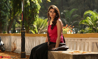 Hansika Motwani Looks super cute in movie Mande Suryudu 001.jpg