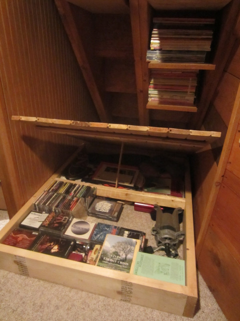 Relaxshacks Ten Tiny House Storage Spaces Your Didn T
