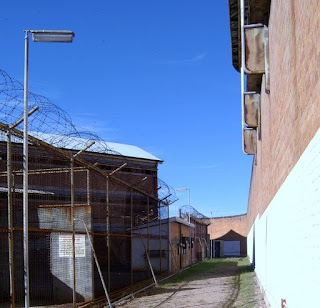 Track, outer wall, and cellblock at Boggo Road (BRGHS).