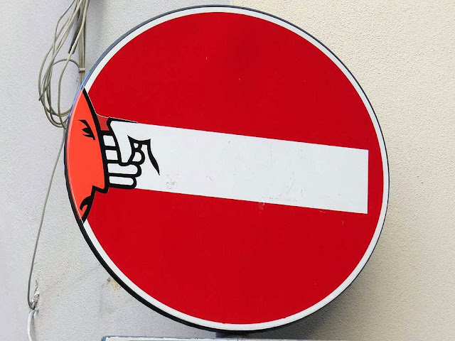 Clet Abrahams, a punch-throwing no-entry sign, via dell'Erta Canina, Florence