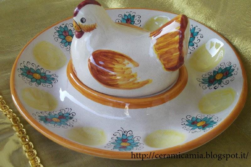 Uova Di Ceramica Dipinte A Mano.Ceramica Che Passione Gallina Cova Uova Di Ceramica Dipinta Per Pasqua