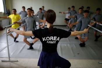 Οι στρατιώτες στη Νότια Κορέα κάνουν μπαλέτο για να καταπολεμούν το άγχος! [photos]