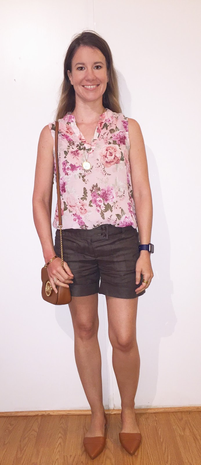 J. Crew Flats No Boundaries Pink Floral Sleeveless Blouse The Limited Hunter Green Shorts