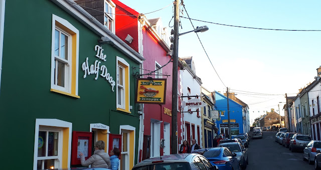 Dingle, värikkäät talot