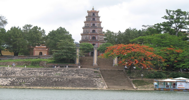 Top most captivating tourist spots in Hue City, Vietnam