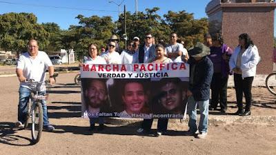 Entregan a familiares dos de los tres cuerpos de jóvenes desaparecidos en Huatabampo