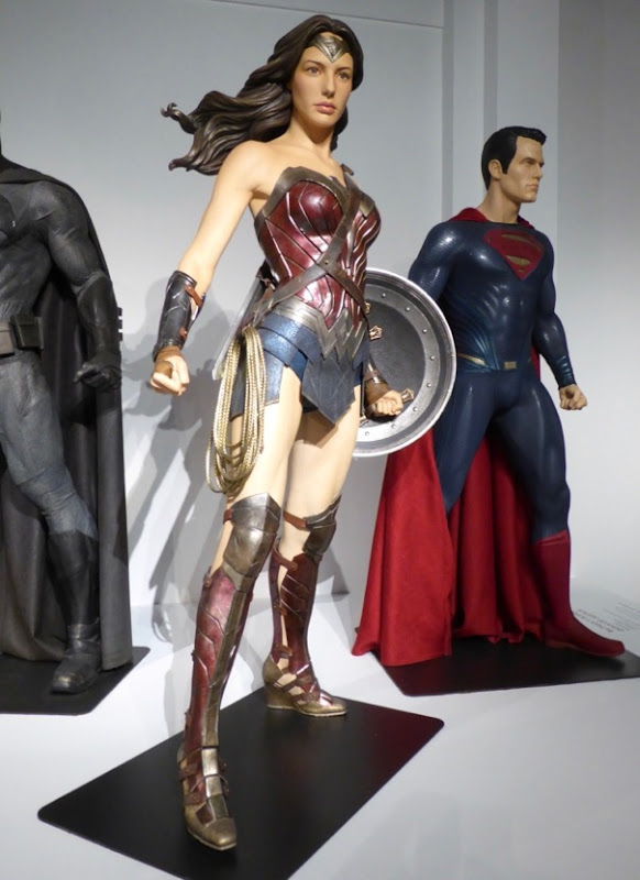 Gal Gadot Wonder Woman costume Batman v Superman
