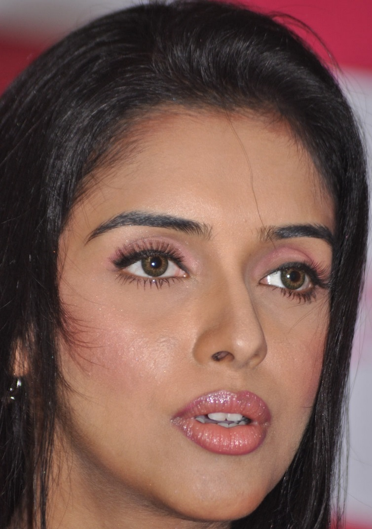 hindi actress asin face closeup without makeup - tollywood boost