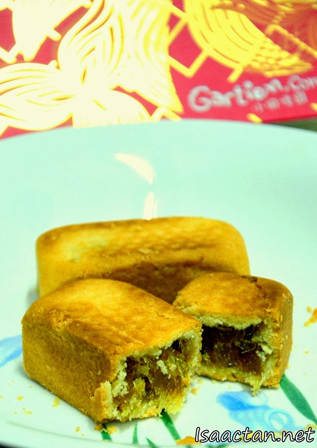 A close up of the pineapple filling inside the Gartien Pineapple Cake