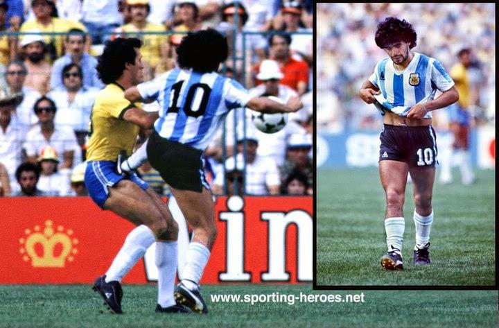 Para rematar Maradona se despidió de ese Mundial dándole cipote de patada  al brasileño Batista da6fda2ff159c