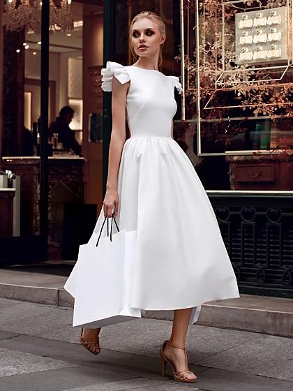 Vestido branco rodado babados