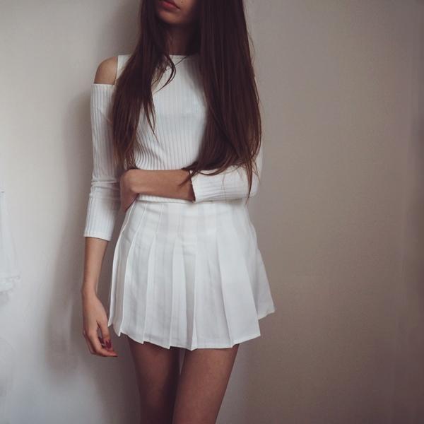 bluzka z wyciętymi ramionami