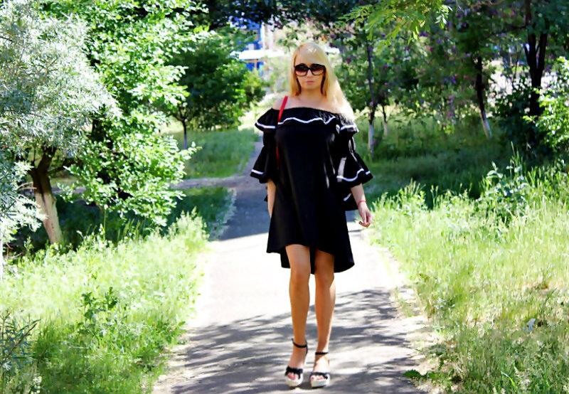 Shopping on ROSEWHOLESALE and SAMMYDRESS: Flounce Off The Shoulder Dress / Асимметричное платье с рюшами и открытыми плечами