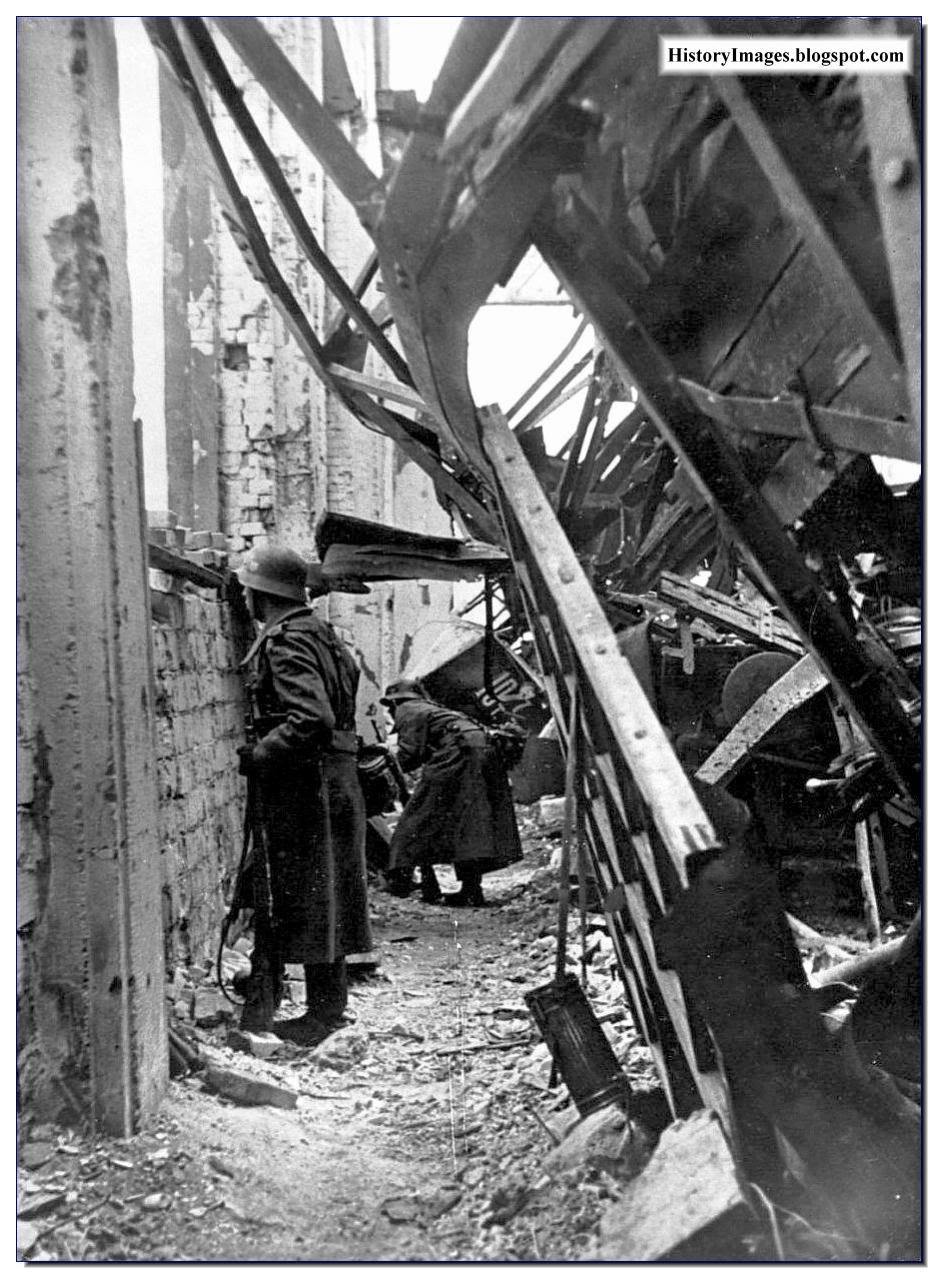 German soldiers ruined factory  Stalingrad November 1942 Rare WW2 Image