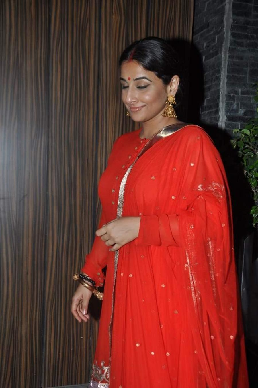 Vidya Balan Hot Sleeping Photos In Red Dress
