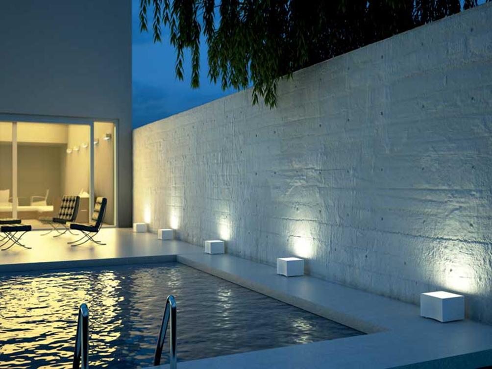 Pareti Esterne Illuminate : Lilluminazione esterna: tipologie soluzioni prezzi edilizia in