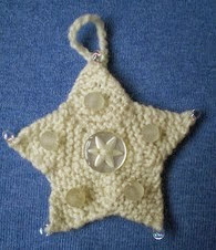 http://www.ravelry.com/patterns/library/advent-garland-21-star