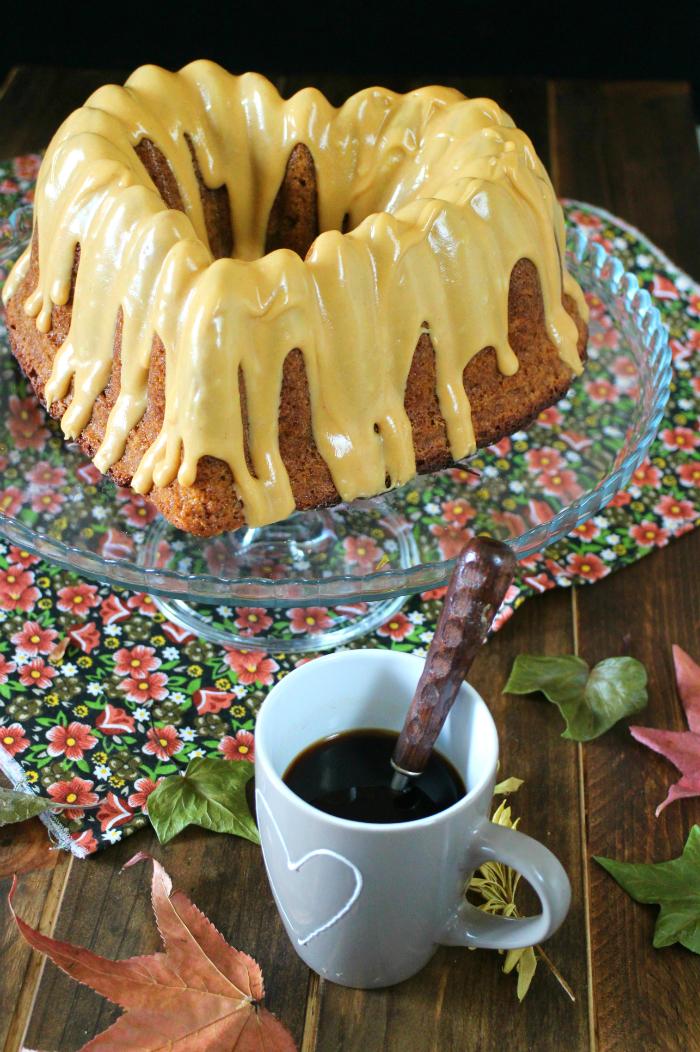 bundt-cake-calabacin-cacahuete, calabacin, cacahuete