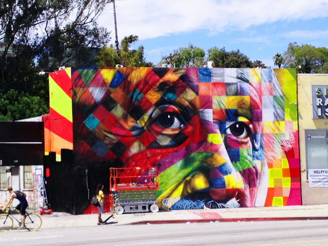 Street Art Portrait Of Einstein By Eduardo Kobra In Los Angeles, USA. progress with scissor lift