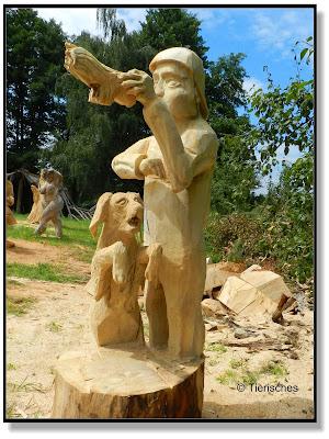 Kunst mit Kettensägen in Tornau