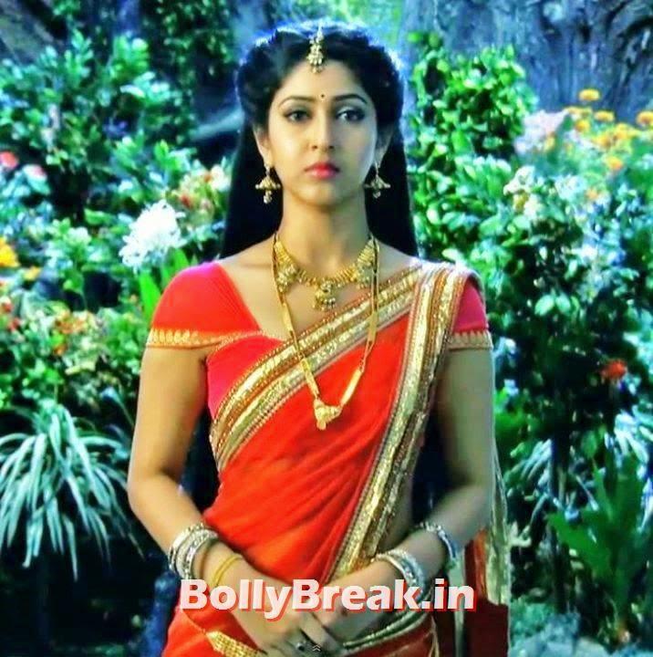 Sonarika Bhadoria Hot Pics In Saree