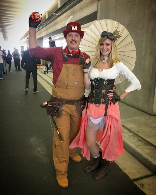 Steampunk video game couples costume idea: steampunk mario and steampunk princess peach. gamer steampunk costumes