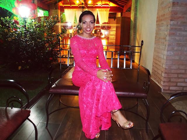 vestido longo. vestido de festa, madrinha, vestido pink, vestido de renda, vestido de festa manga longa, vestido Gleikka, pérolas e strass, bordado