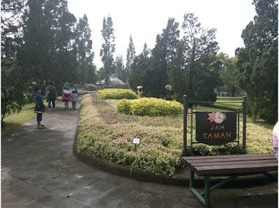 jam taman Taman Bunga Nusantara