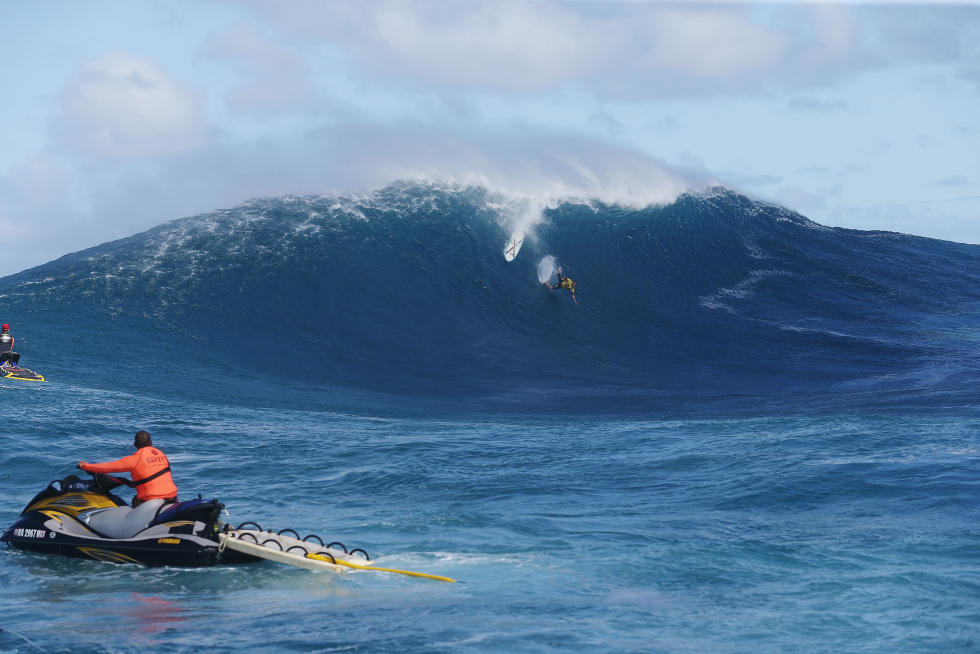 Big Wave Tour Teaser Pe ahi Challenge