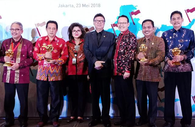 Kabupaten Sinjai Raih Penghargaan UHC Awards dari BPJS Kesehatan