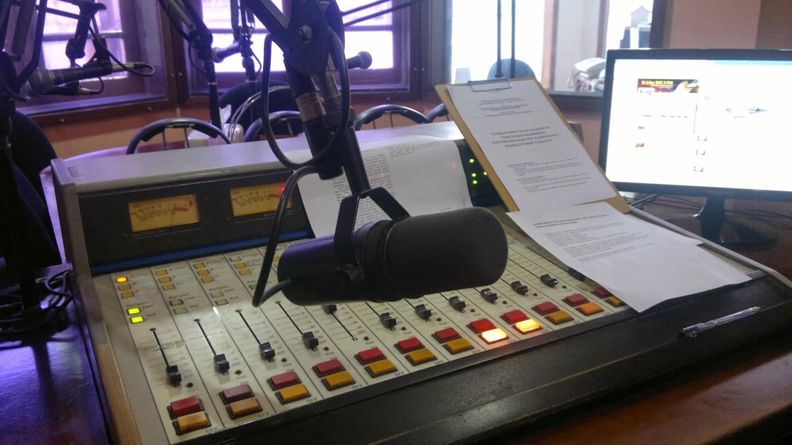 sofa studio musik bandung genuine leather manufacturers in china radio branding materials on air 107 1 k lite fm