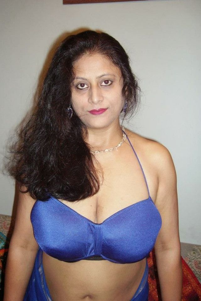 Indian Aunty Sexy Look  Hot And Sexy-6251