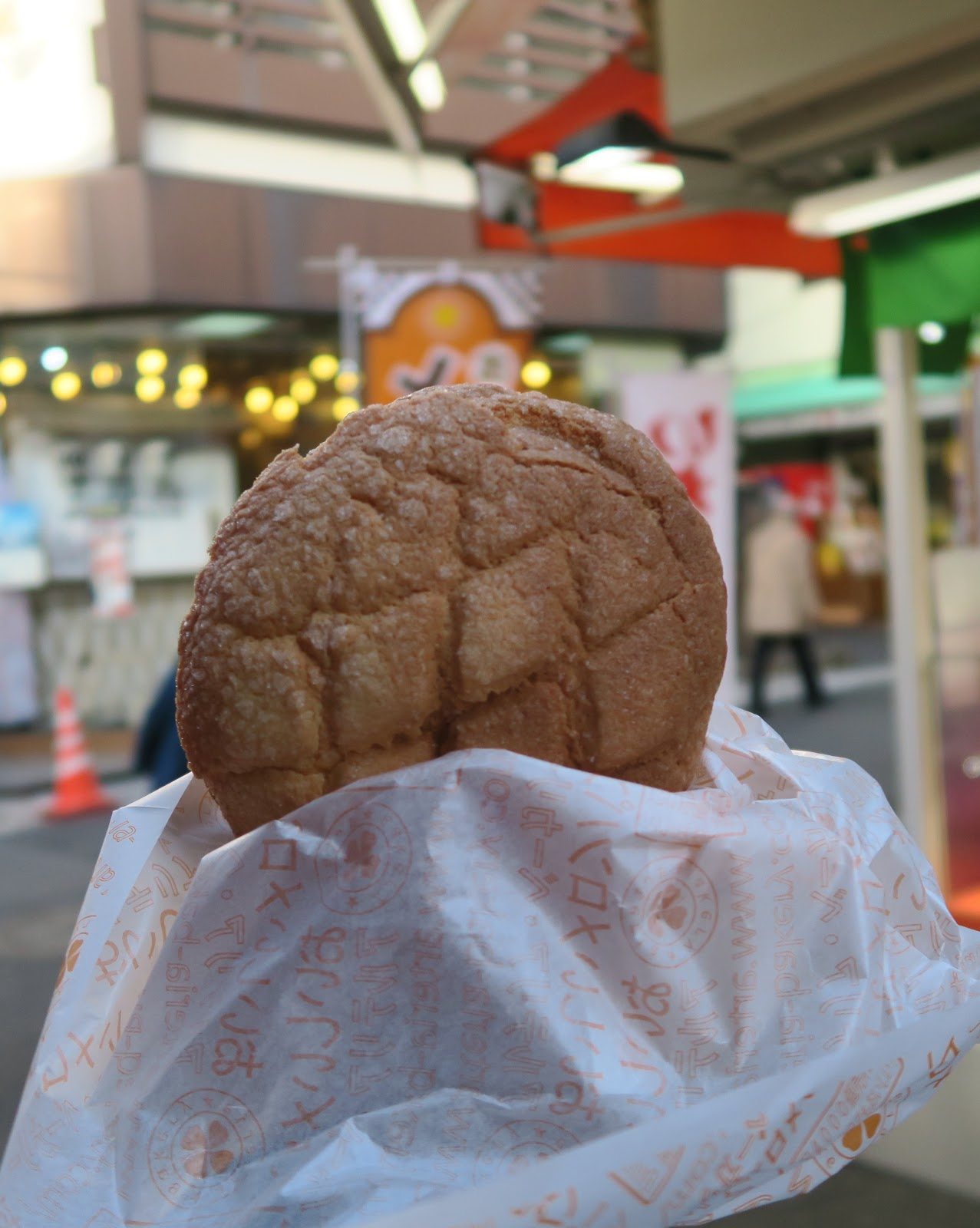melon bread japan tokyo sensoji bakery