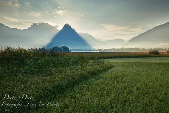 Die Pyramide ;-) von Schwyz