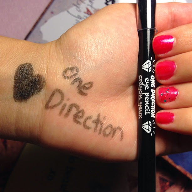 Makeup by One Direction Tins: Liam Payne, Niall Horan, Harry Styles, Zayn Malik, Louis Tomlinson // Photo Credit: Intrice Blog