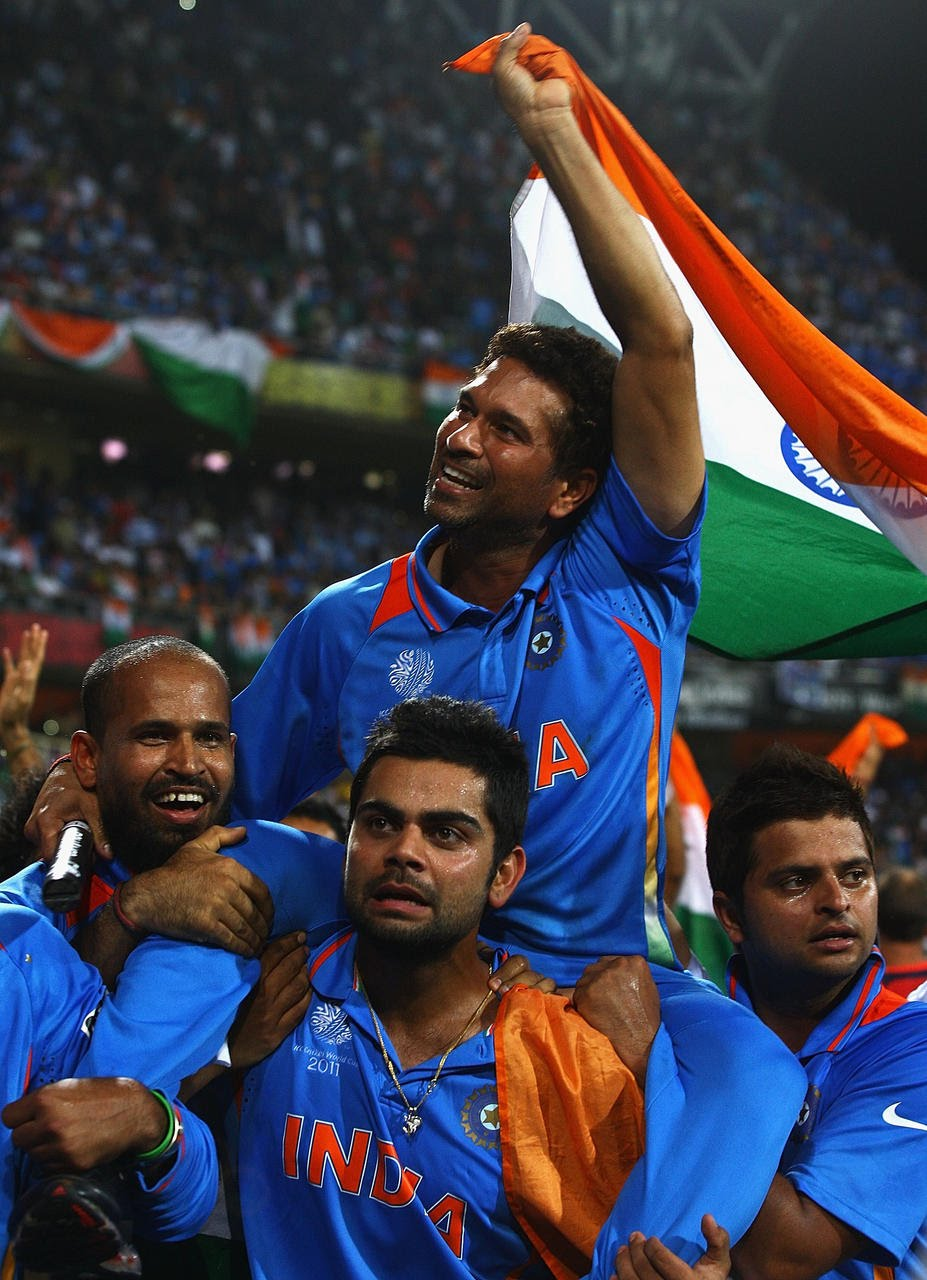 Tamil Movie Wallpapers With Quotes Sachin Celebrating 2011 World Cup Win Photos Sachin