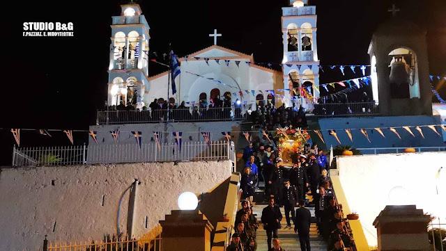 Χιλιάδες κόσμου στην λιτανεία της εικόνας του Ευαγγελισμού στο Ναύπλιο (βίντεο)