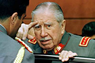 El Ministerio israelí de Defensa estudiará la petición de dos oriundos chilenos que le exigen por vía judicial la apertura de los archivos sobre las relaciones de este país con el régimen de Augusto Pinochet, informó hoy el abogado de los demandantes, Itai Mack.