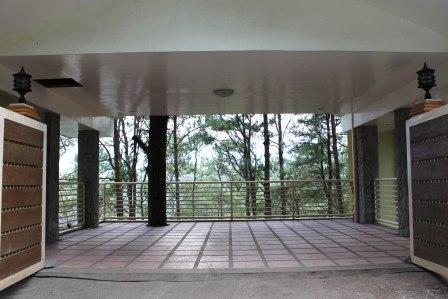 Michael S Hut Emily S Garden Suites Baguio City