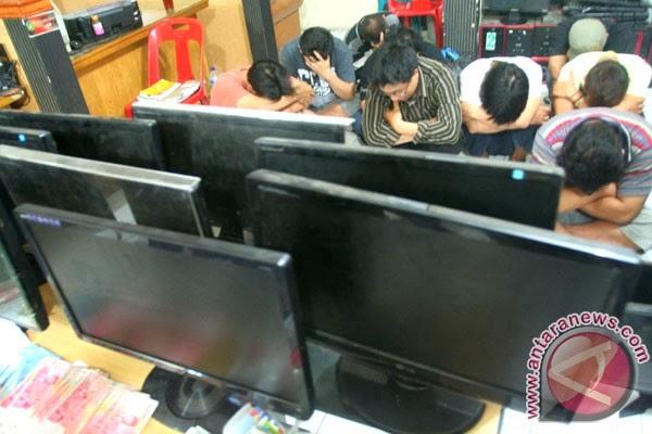 Contoh Kasus Perjudian Kumpulan Judul Contoh Skripsi Hukum Pidana << Contoh Contoh Penggerebekan Dan Penangkapan Judi Online Contoh Penggerebekan