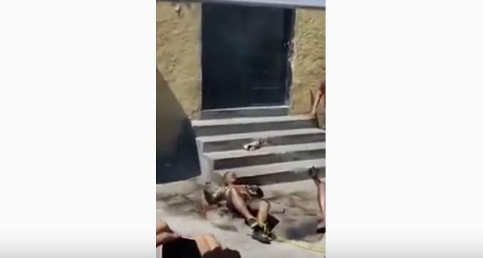 VIDEO - Queman vivos a dos presuntos roba niños en Puebla.
