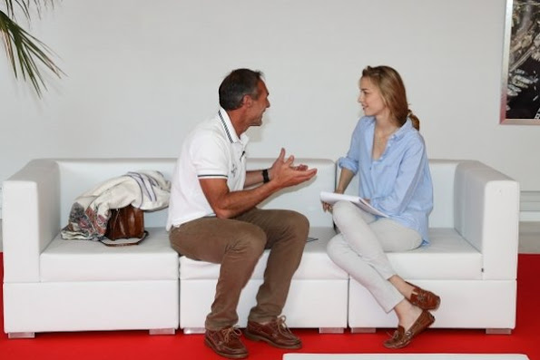 Beatrice Borromeo is working at the Yacht Club of Monaco, interviewing the modern adventurer Mike Horn. Beatrice Borromeo style, fashions dresses, wears dress