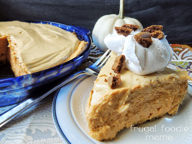 This Pumpkin Biscoff Mousse Pie is not your typical Thanksgiving pumpkin pie! So rich and creamy and decadent... your guests will think you spent all day making this no-bake pie!