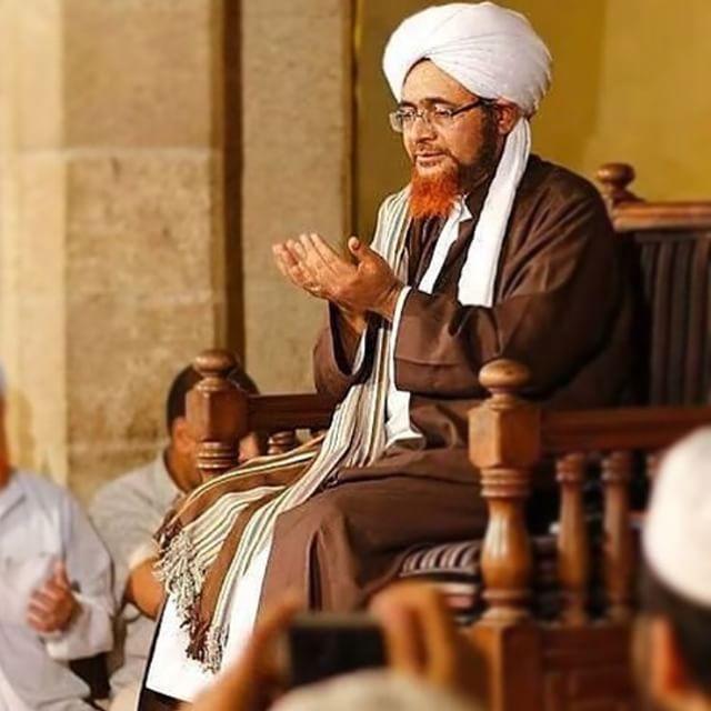Jawaban Habib Umar bin Hafidh Terhadap Wahabi Takfiri yang Menuduh Ibunda Nabi di Neraka.