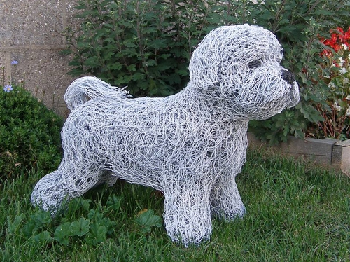 04-Bichon-Frise-Dog-Barry-Sykes-Sculptures-of-Animals-in-Wire-www-designstack-co